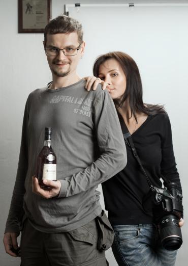Лена Волкова и Николай Тевашов с игрушками